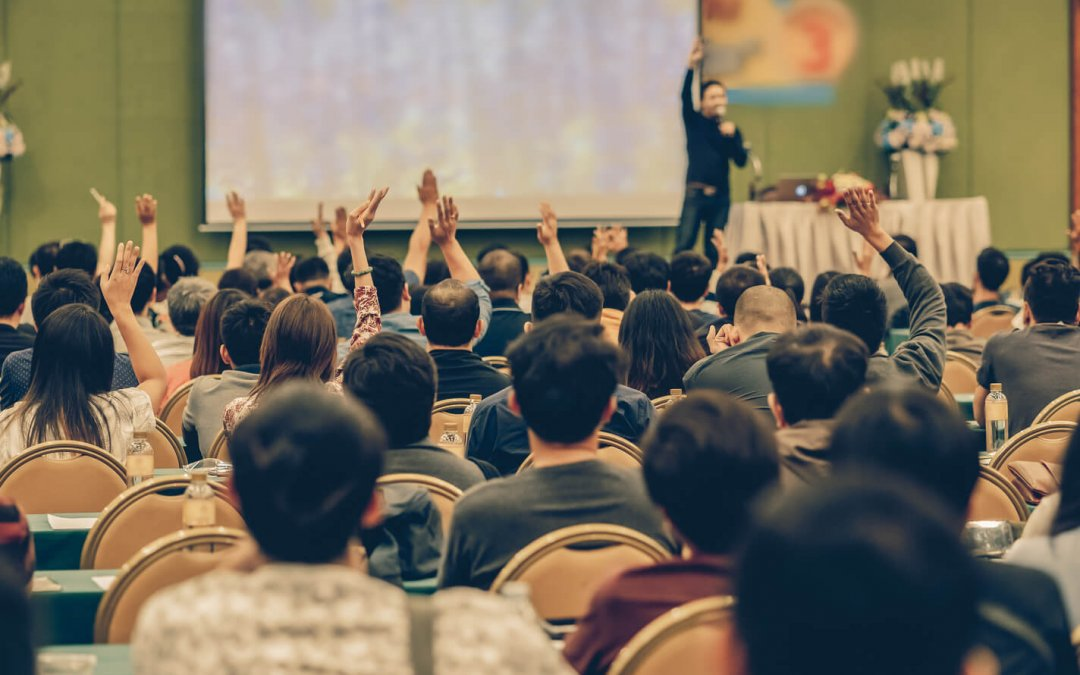 Four Tactics that Engage Your Audience Better than Verbal Polls
